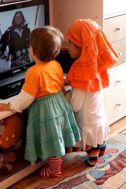 Februarie 2011. Gia & Eva (real Michael Jackson fans!)