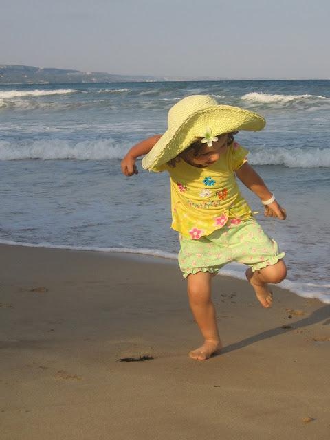 Dansul Giei pe plaja din Albena. 2007