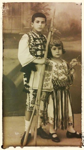 In 1926, tot cu SIlviu, fratele