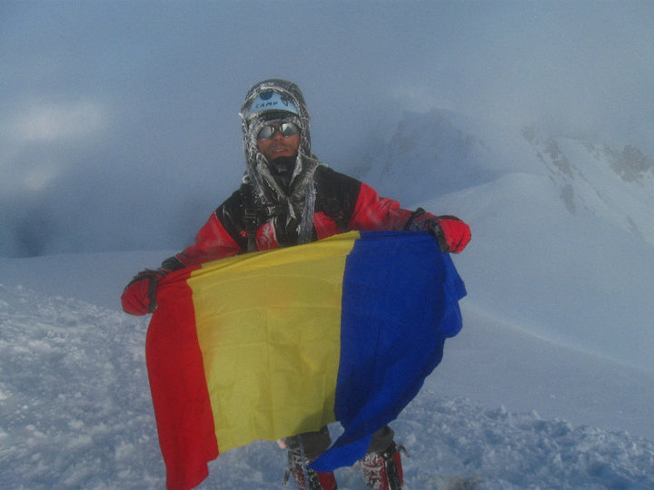 Mont Blanc 2010, with a wounded leg